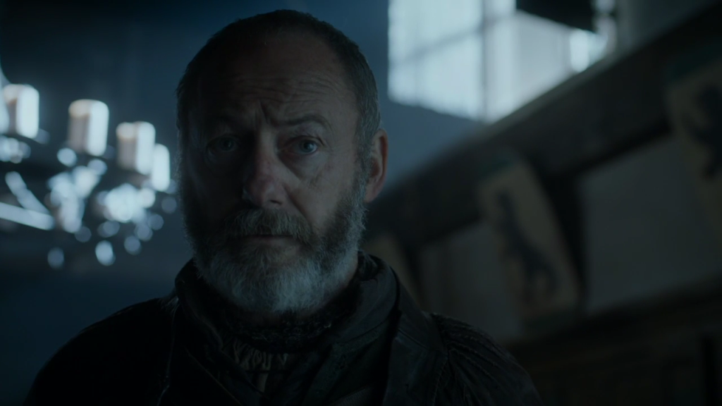 That's the Mormont bear behind Davos!